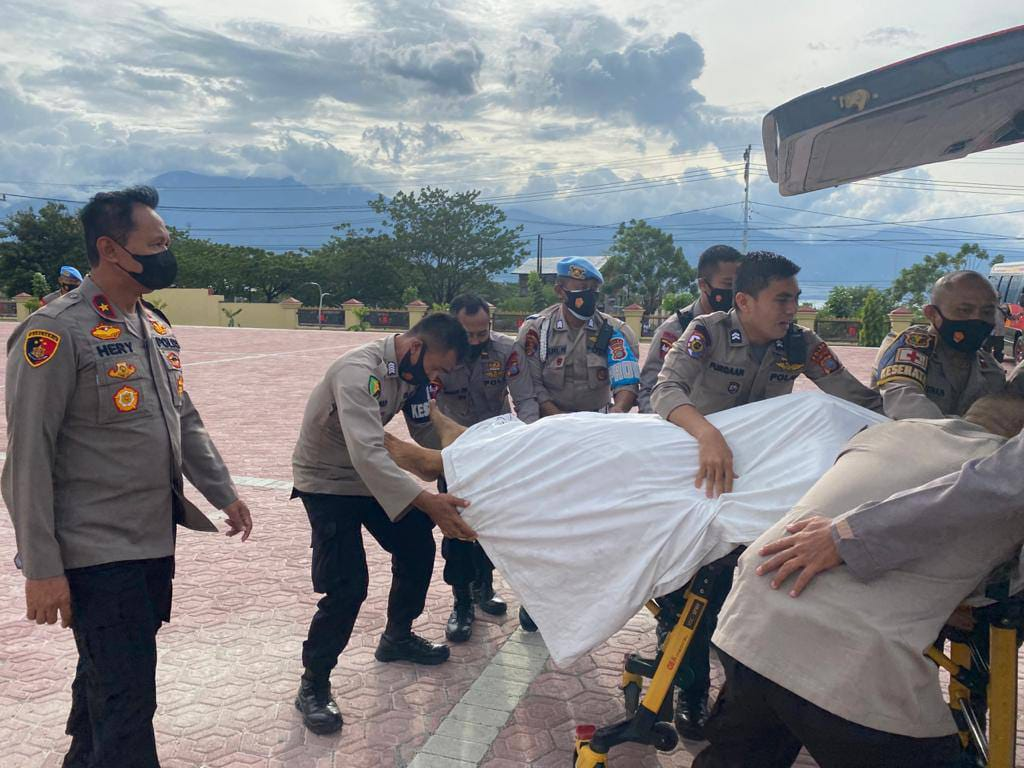 Evakuasi jenasah Personel Brimob Polda Sulawesi Tengah dok. Foto Istimewa